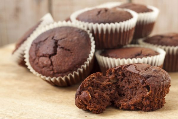 Chocolate muffin with honey
